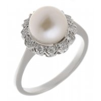 Classic round pearl and round brilliant cut diamond halo cluster ring
