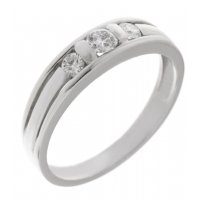 Chia modern round brilliant cut diamond trilogy ring